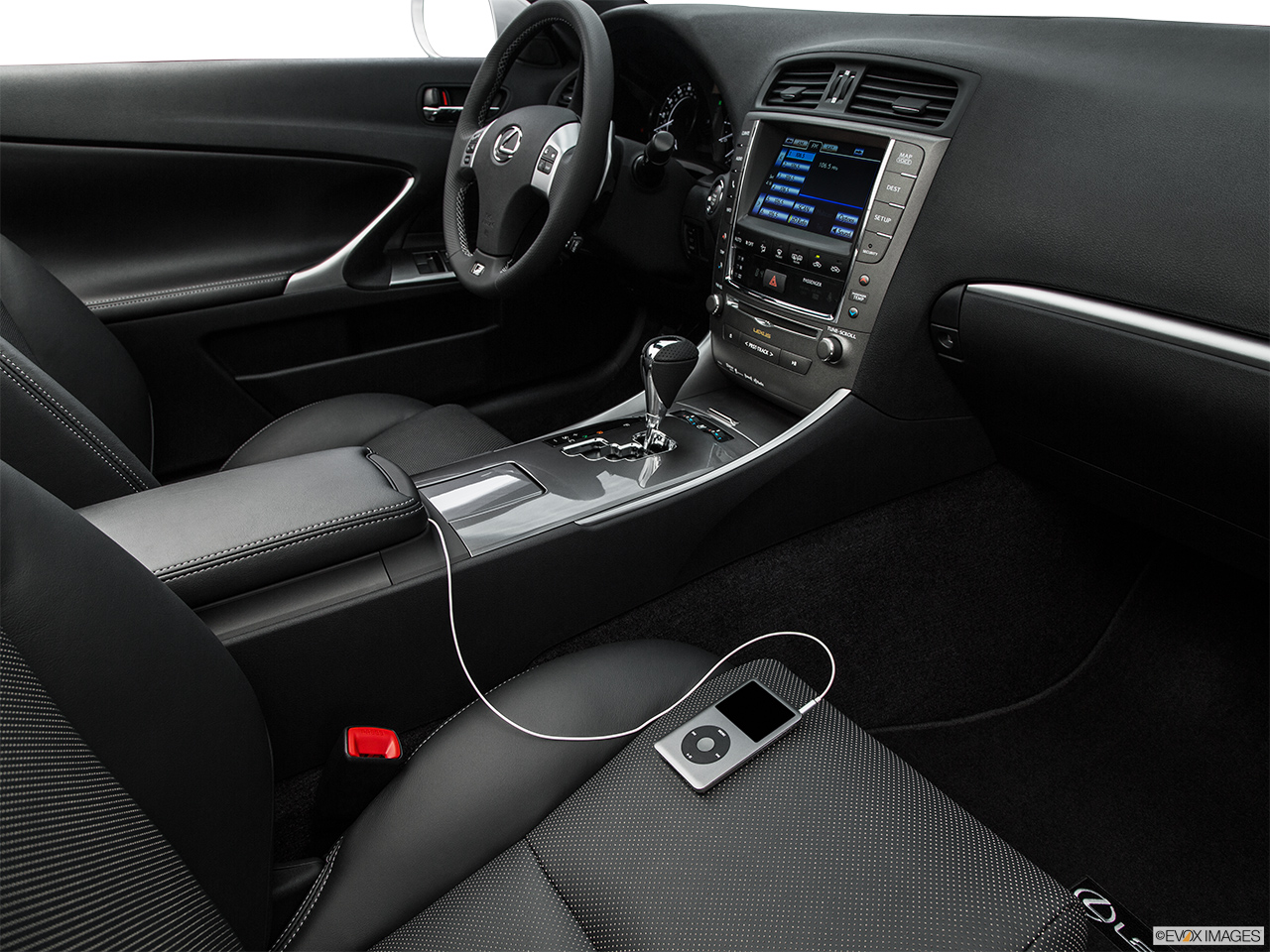 2015 Lexus IS C IS250 RWD Auxiliary jack props.
