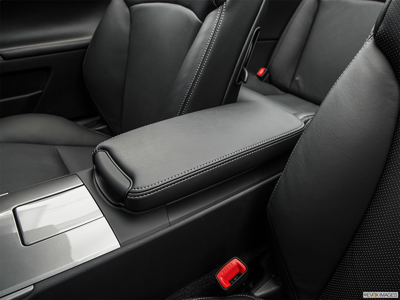2015 Lexus IS C IS250 RWD Front center console with closed lid, from driver's side looking down