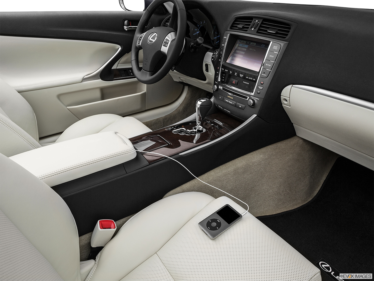 2015 Lexus IS C IS 350 Auxiliary jack props.