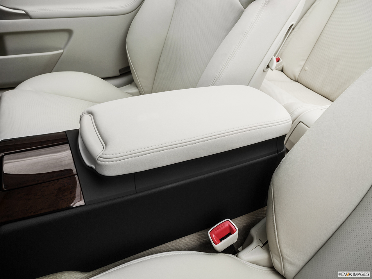 2015 Lexus IS C IS 350 Front center console with closed lid, from driver's side looking down