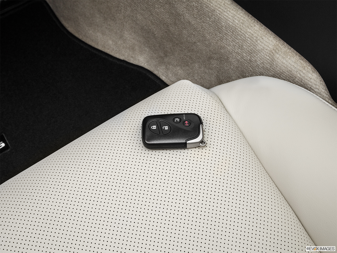 2015 Lexus IS C IS 350 Key fob on driver's seat.