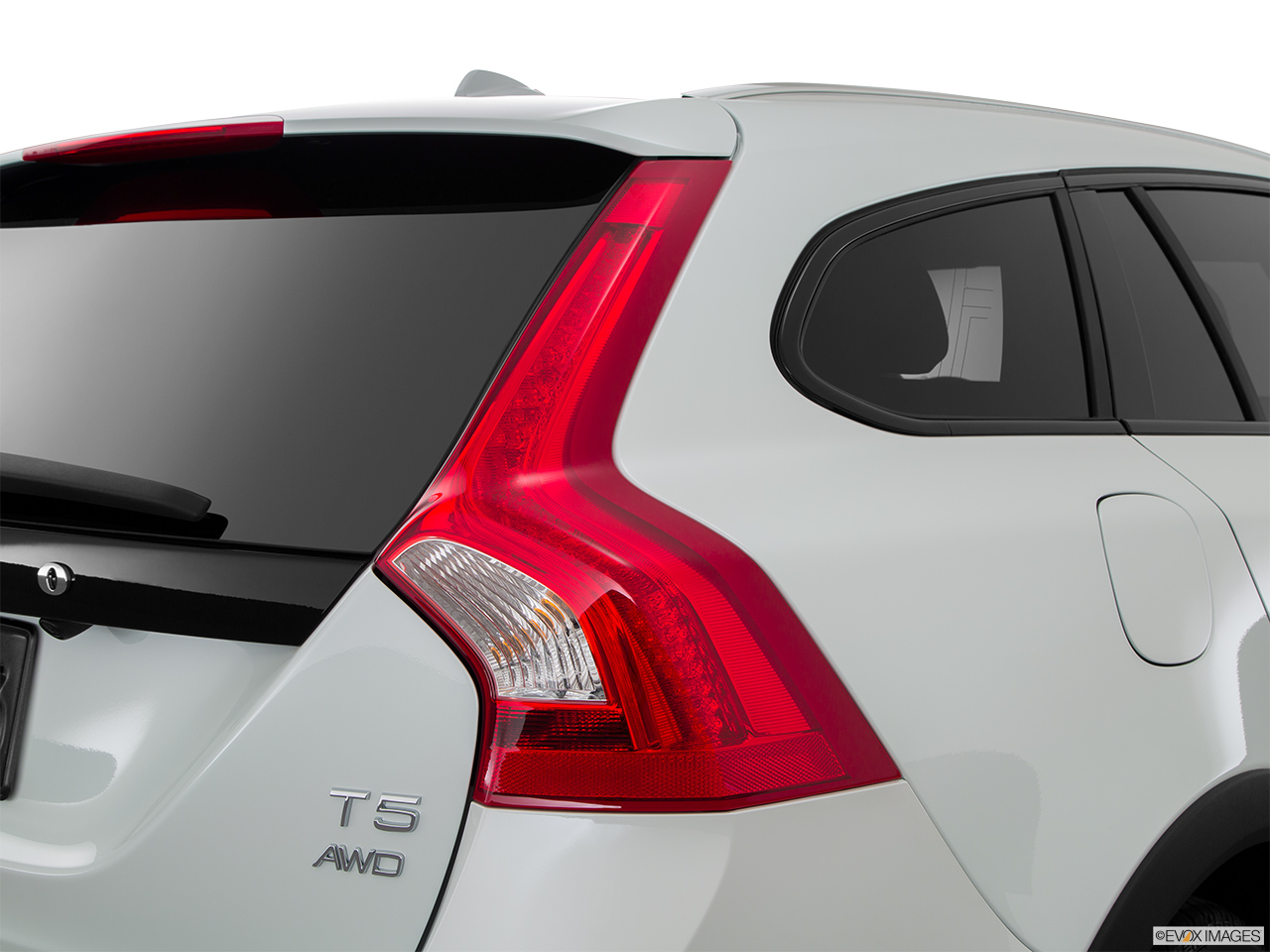 2015 Volvo V60 Cross Country T5 AWD Passenger Side Taillight.