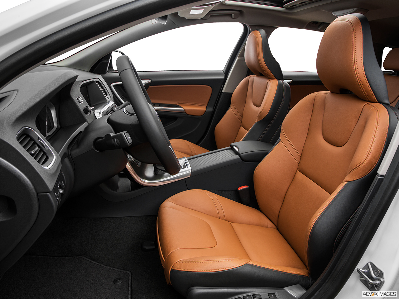 2015 Volvo V60 Cross Country T5 AWD Front seats from Drivers Side.