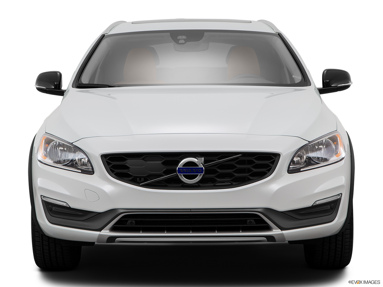 2015 Volvo V60 Cross Country T5 AWD Low/wide front.