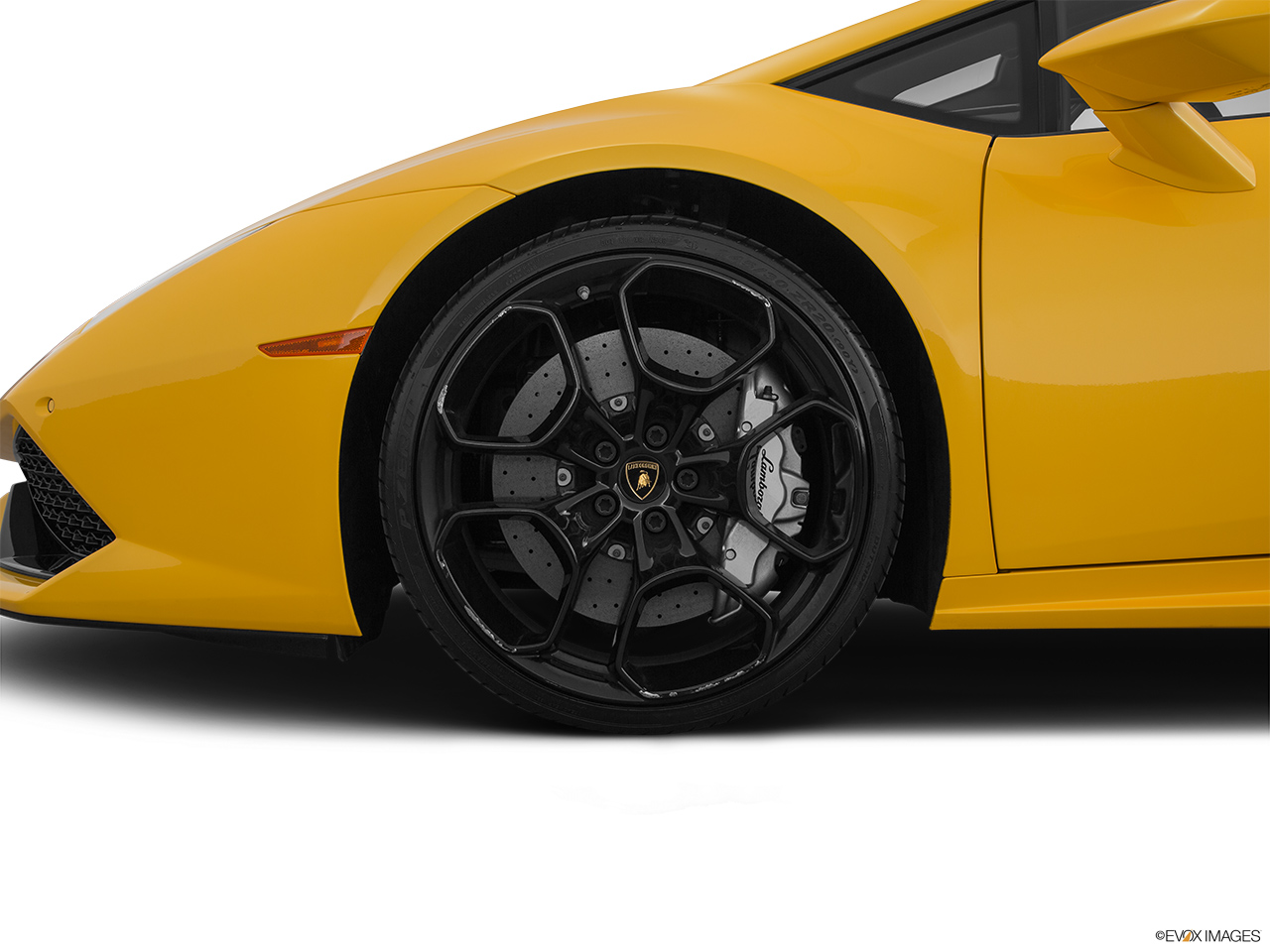 2015 Lamborghini Huracan LP 610-4 Front Drivers side wheel at profile.