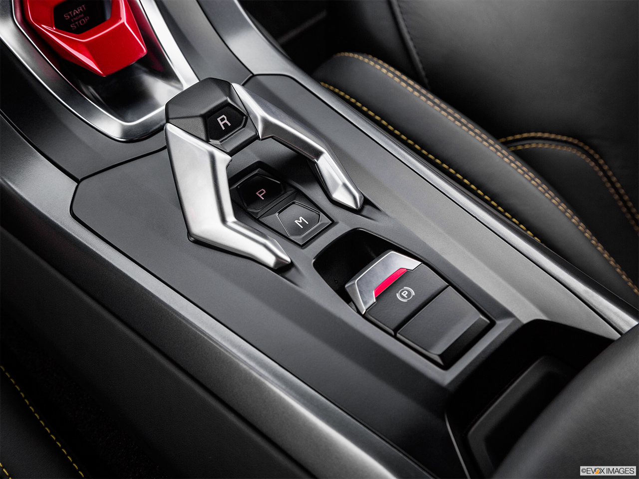 2015 Lamborghini Huracan LP 610-4 Gear shifter/center console.