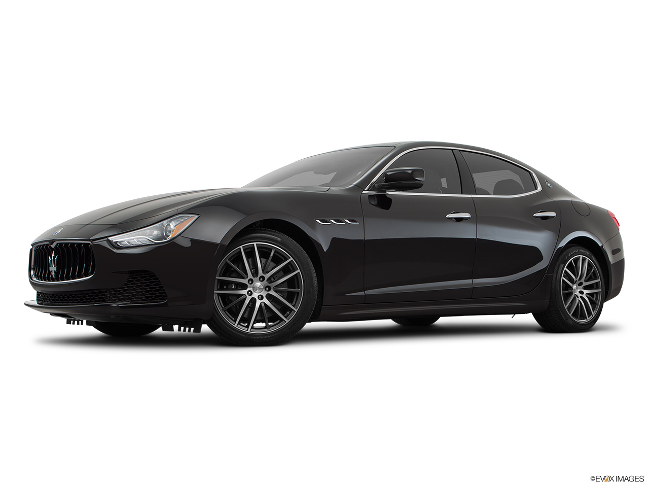 2015 Maserati Ghibli Base Low/wide front 5/8.