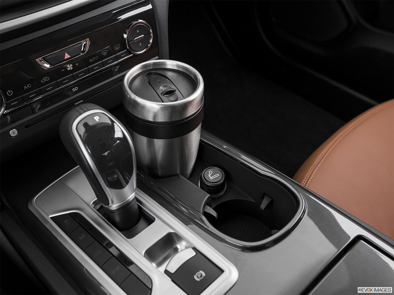 2015 Maserati Ghibli Base Cup holder prop (primary).
