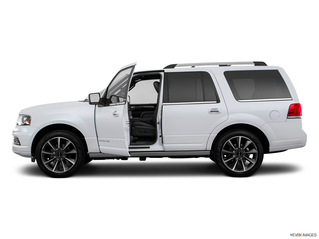 2016 Lincoln Navigator Reserve Driver's side profile with drivers side door open.