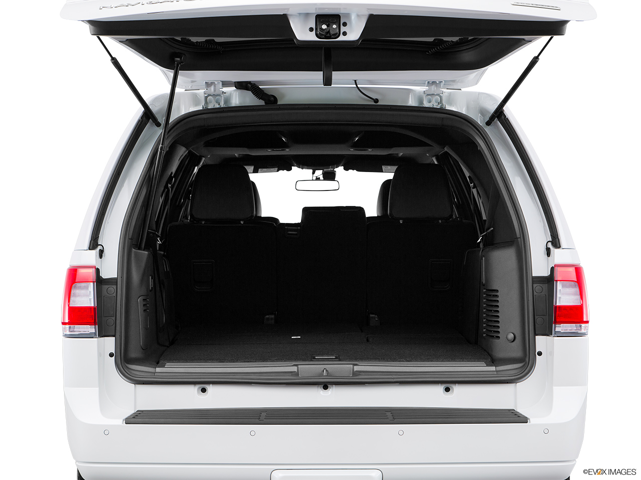 2016 Lincoln Navigator Reserve Trunk open.