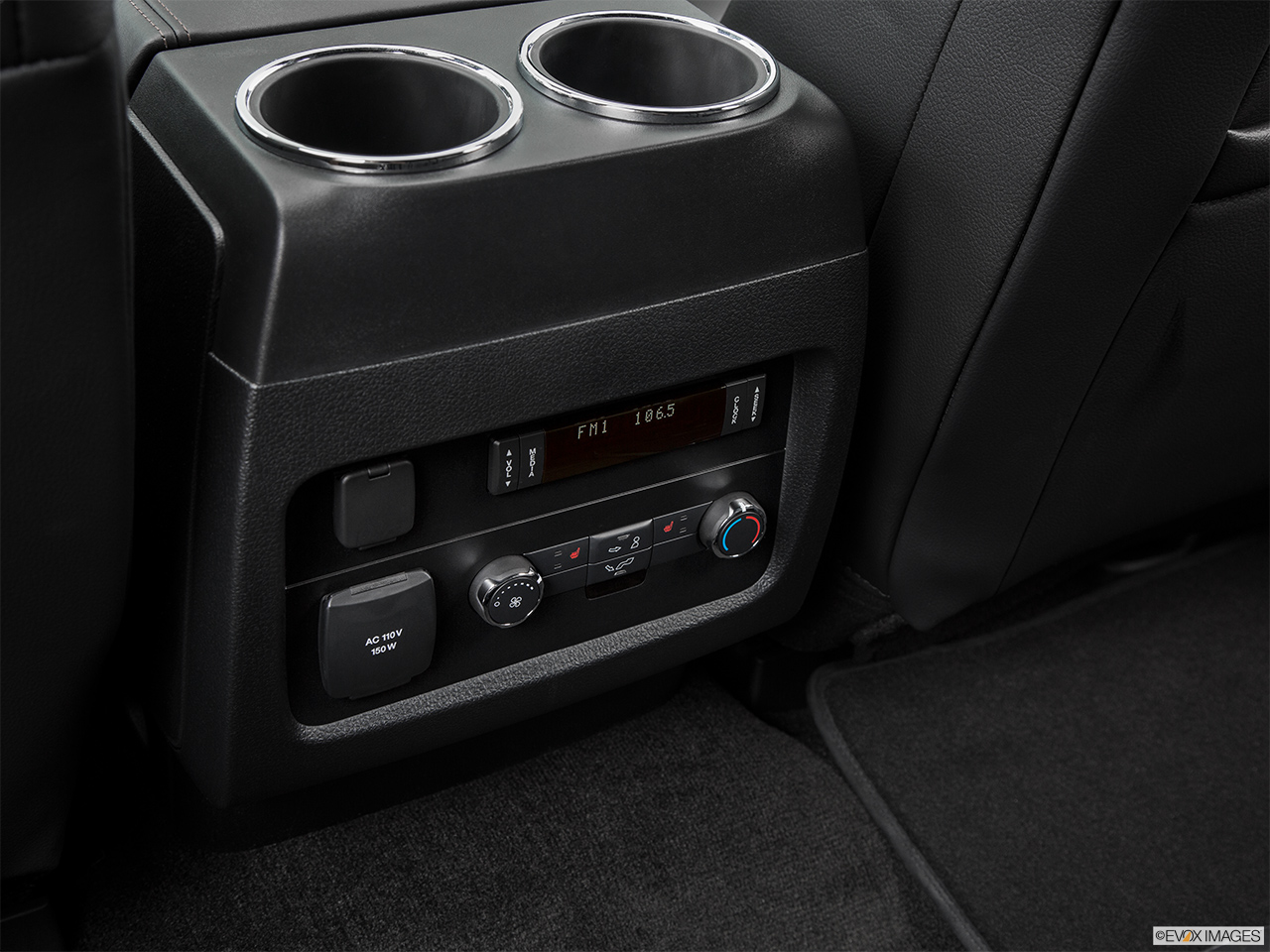 2016 Lincoln Navigator Reserve Rear A/C controls.