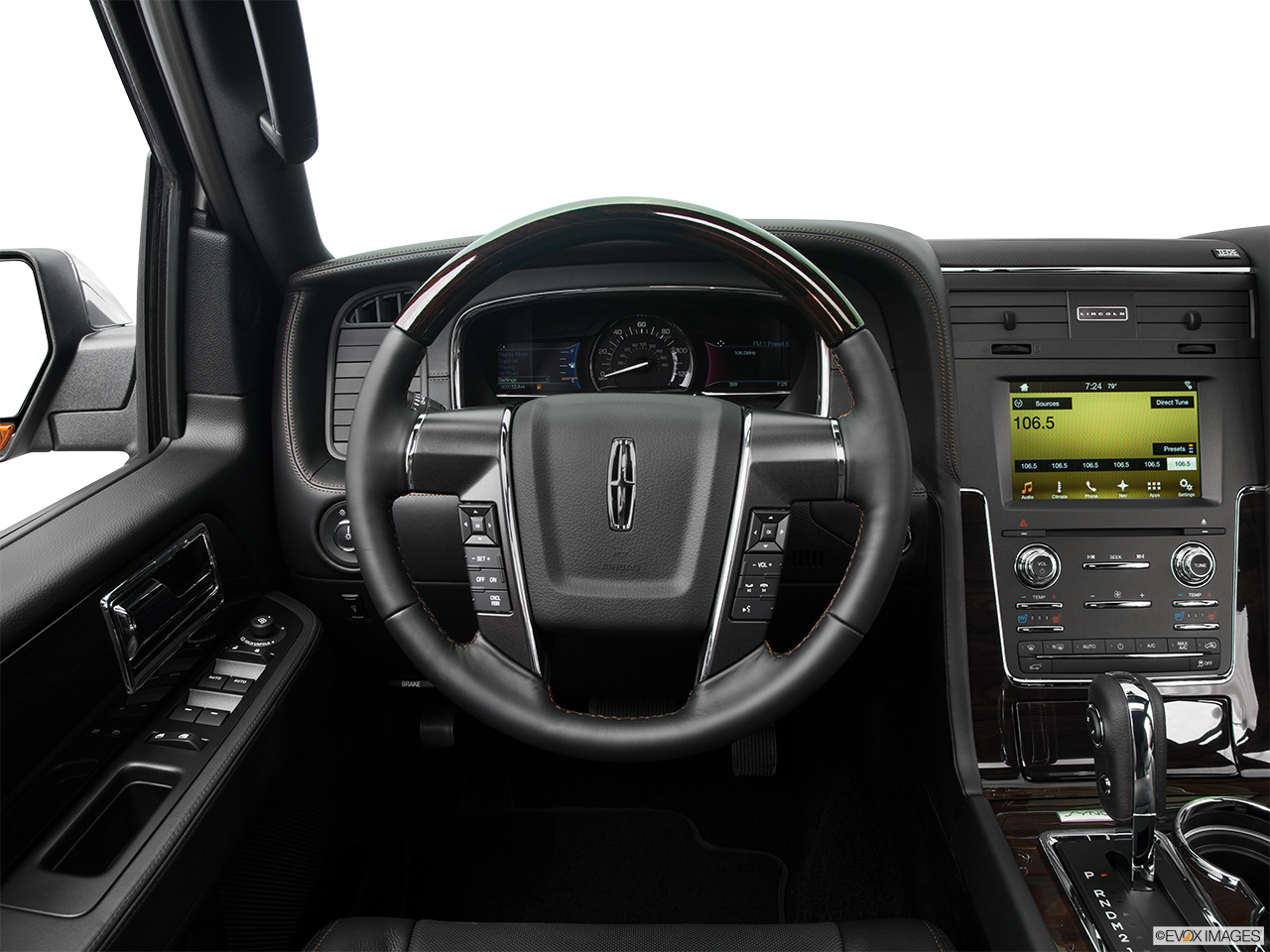 2016 Lincoln Navigator Reserve Steering wheel/Center Console.