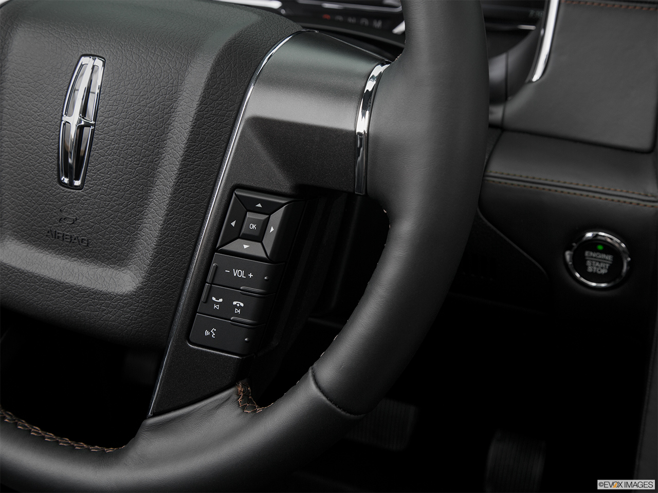 2016 Lincoln Navigator Reserve Steering Wheel Controls (Right Side)