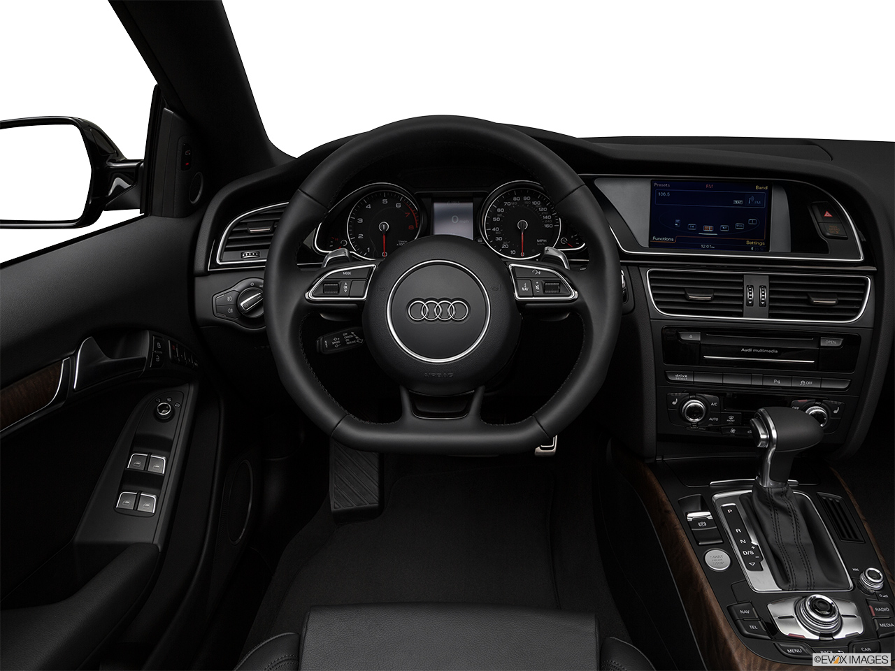 2017 Audi A5 Sport Cabriolet 2.0 TFSI Steering wheel/Center Console.