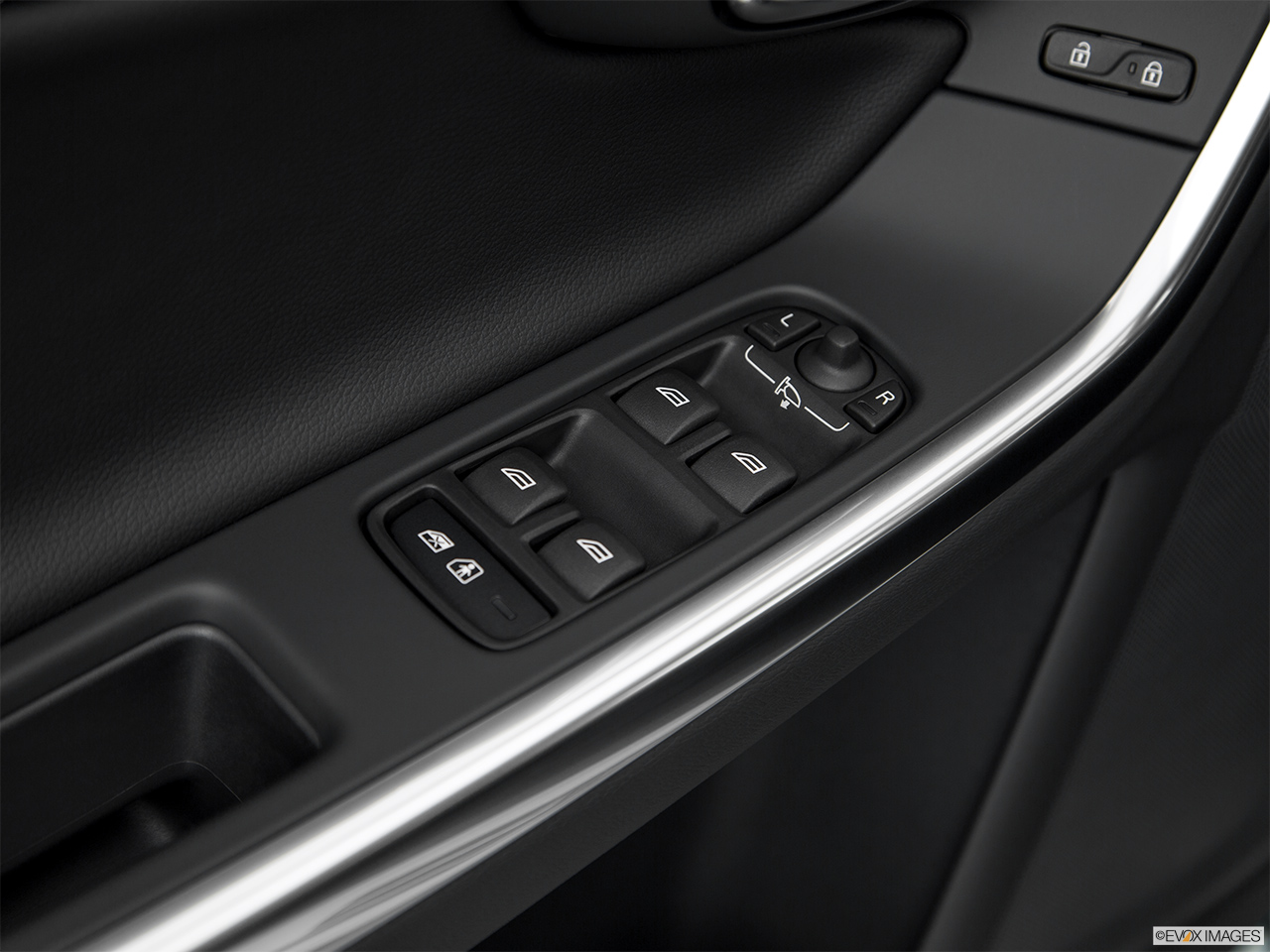 2018 Volvo V60 Cross Country T5 AWD Driver's side inside window controls.