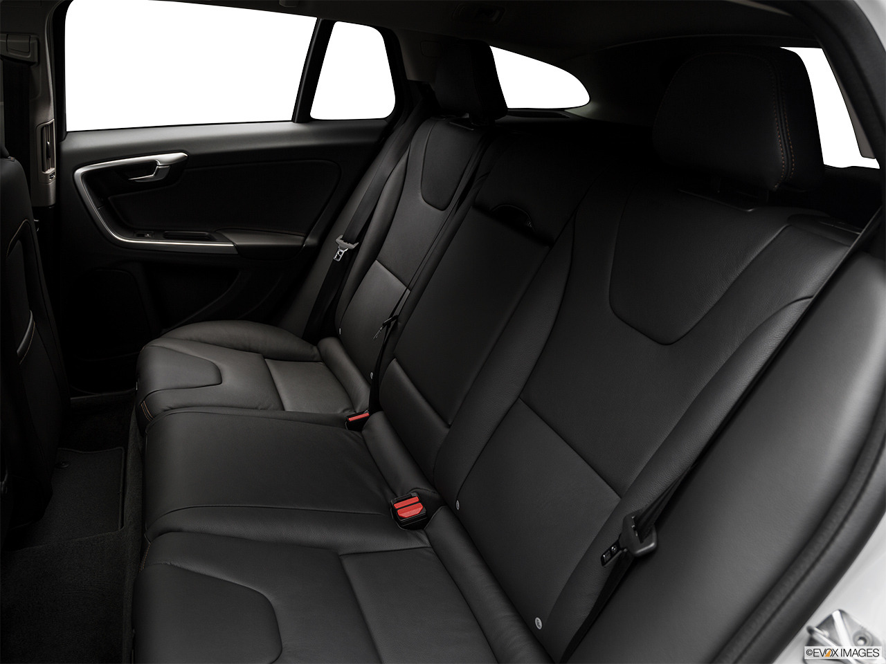2018 Volvo V60 Cross Country T5 AWD Rear seats from Drivers Side.