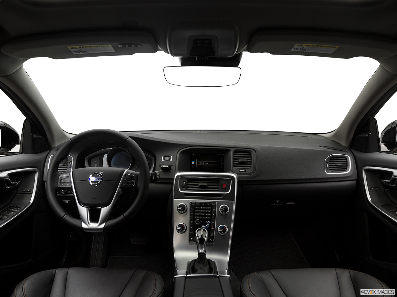 2018 Volvo V60 Cross Country T5 AWD Centered wide dash shot