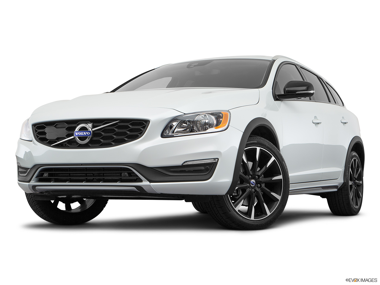 2018 Volvo V60 Cross Country T5 AWD Front angle view, low wide perspective.