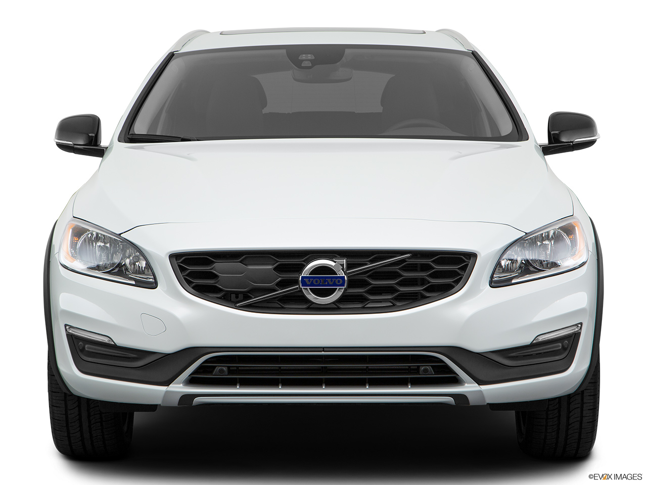 2018 Volvo V60 Cross Country T5 AWD Low/wide front.