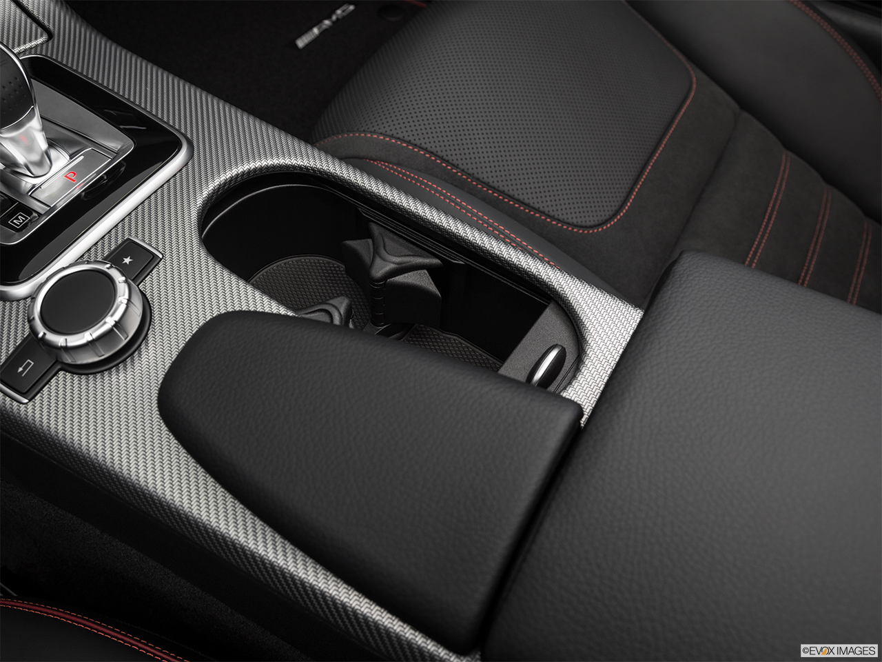 2019 Mercedes-Benz SLC-class SLC43 AMG Cup holders.