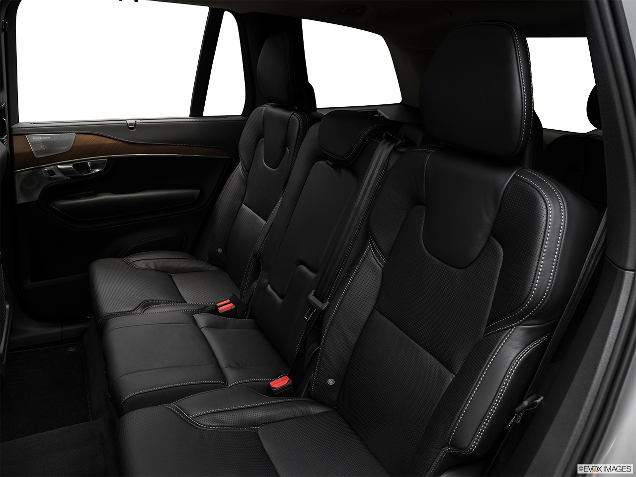 2019 Volvo XC90  T6 Inscription Rear seats from Drivers Side.