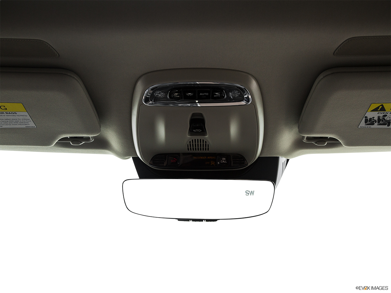 2019 Volvo XC90  T6 Inscription Courtesy lamps/ceiling controls.