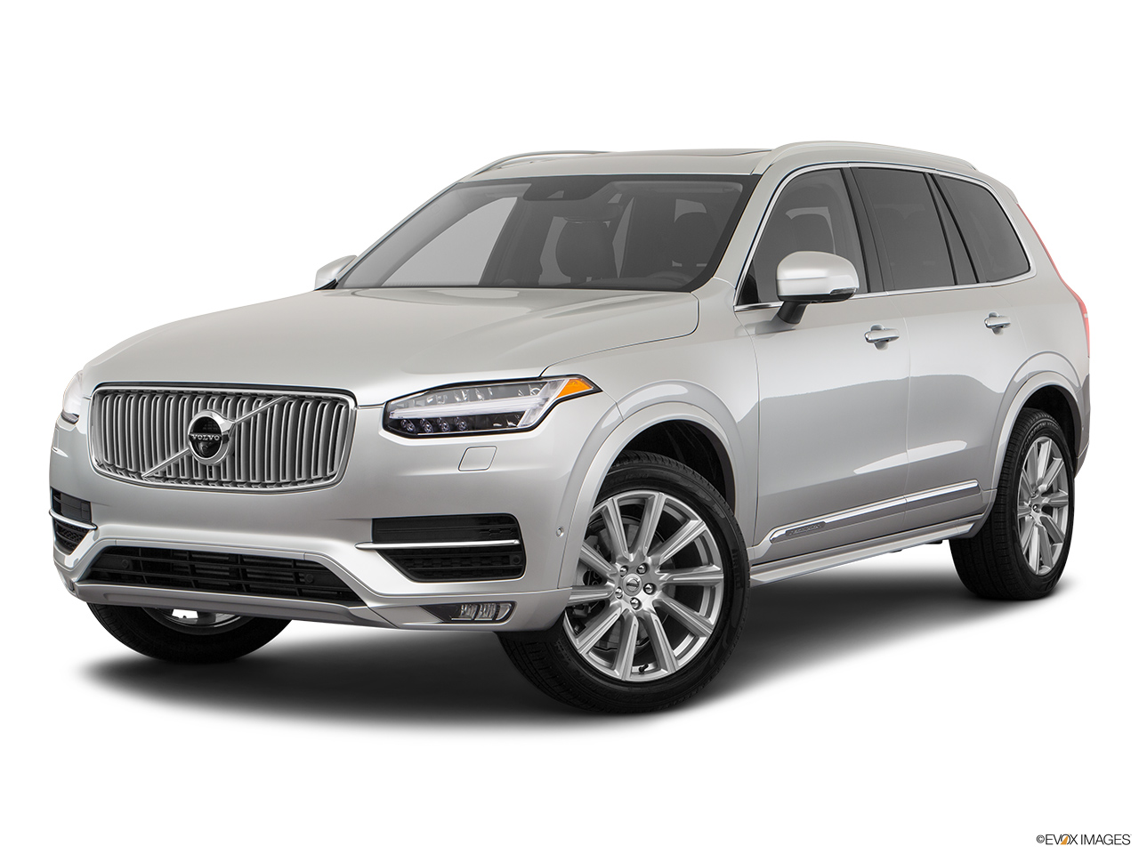 2019 Volvo XC90  T6 Inscription Front angle medium view.