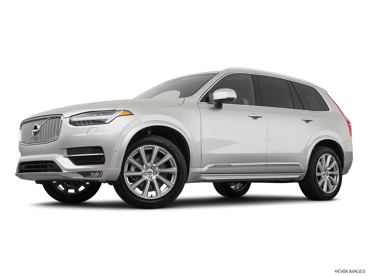 2019 Volvo XC90  T6 Inscription Low/wide front 5/8.