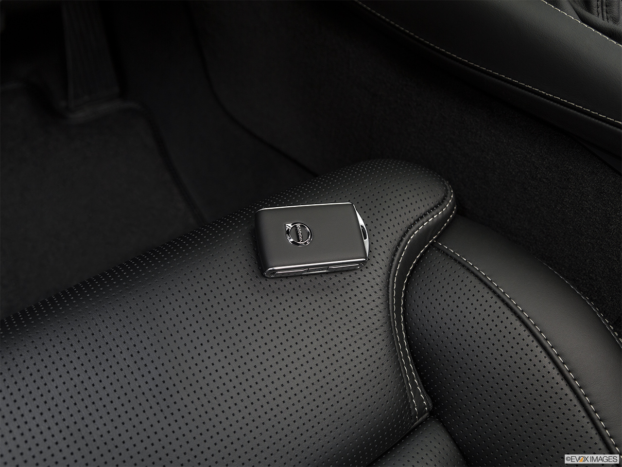 2019 Volvo XC90  T6 Inscription Key fob on driver's seat.