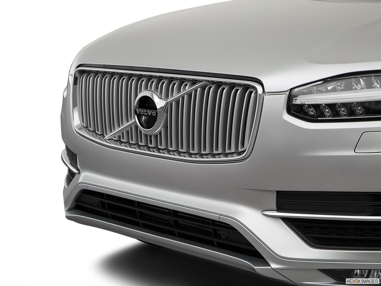 2019 Volvo XC90  T6 Inscription Close up of Grill.