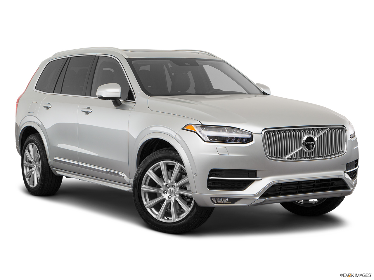 2019 Volvo XC90  T6 Inscription Front passenger 3/4 w/ wheels turned.
