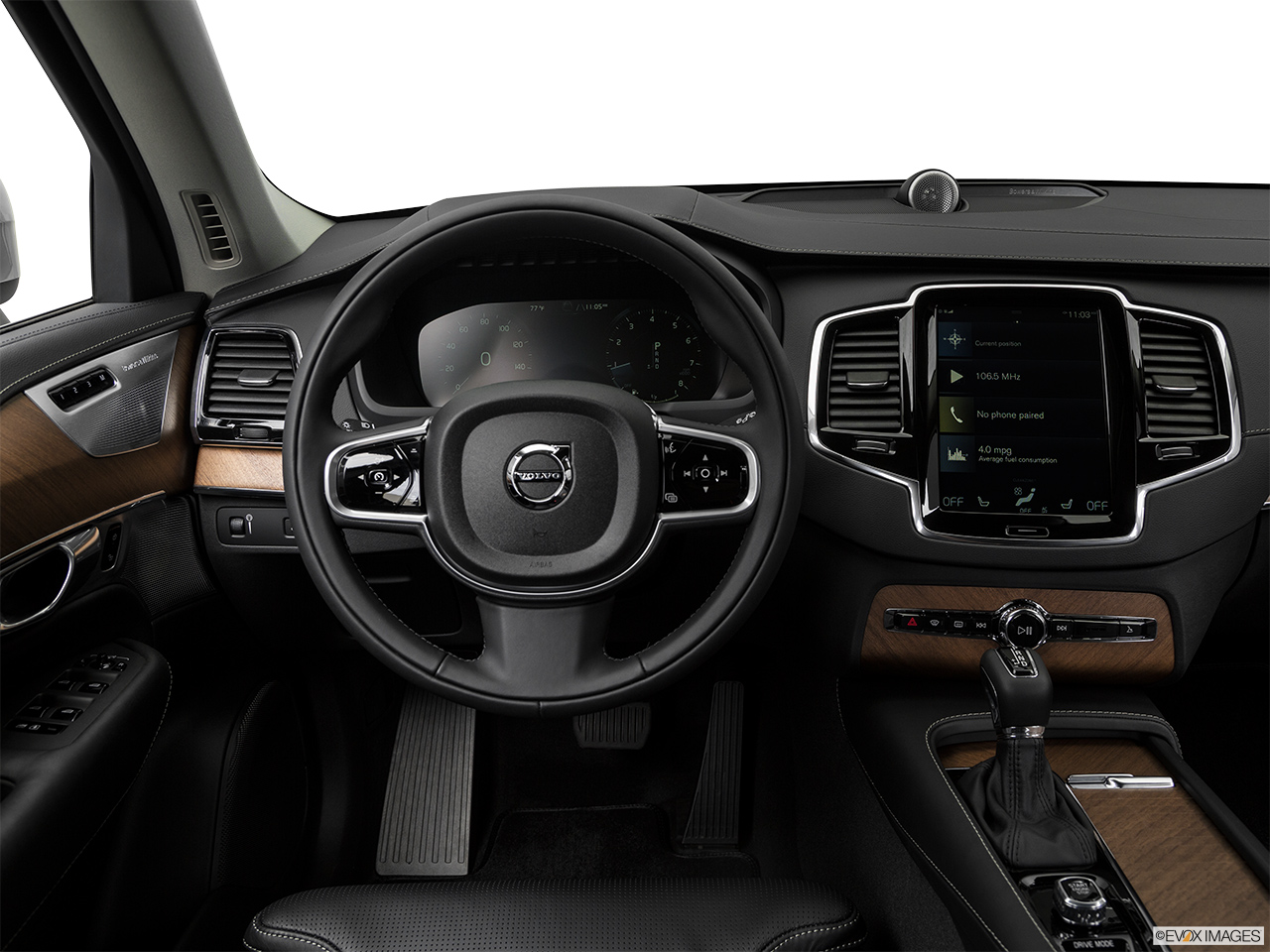 2019 Volvo XC90  T6 Inscription Steering wheel/Center Console.