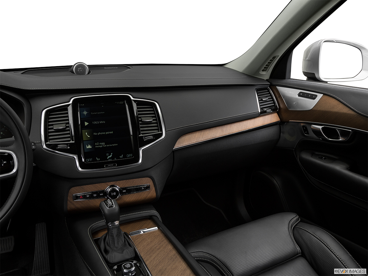 2019 Volvo XC90  T6 Inscription Center Console/Passenger Side.
