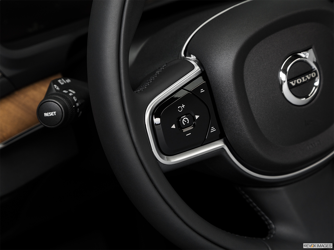 2019 Volvo XC90  T6 Inscription Steering Wheel Controls (Left Side)