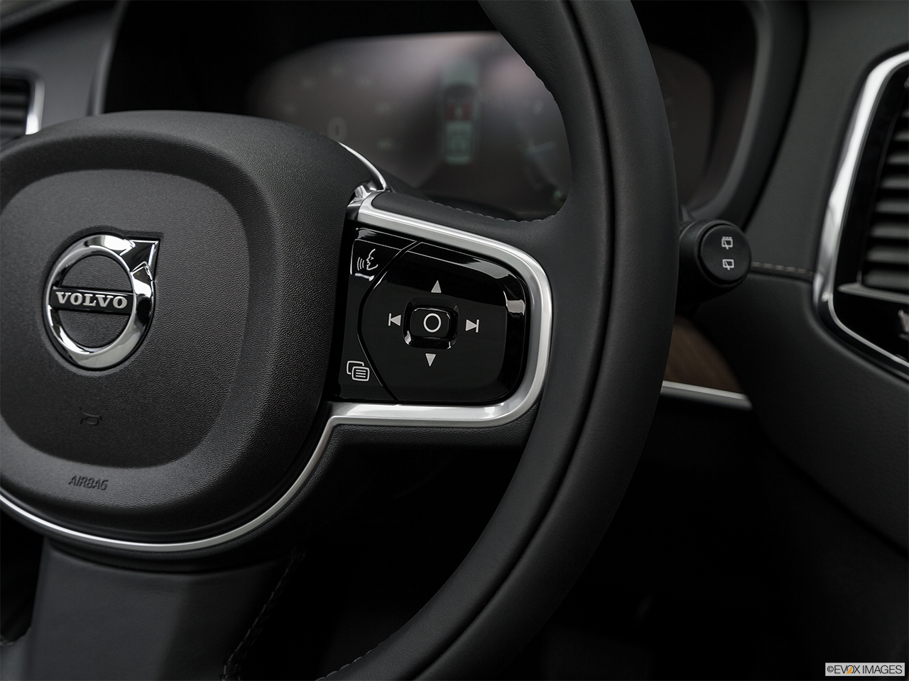 2019 Volvo XC90  T6 Inscription Steering Wheel Controls (Right Side)