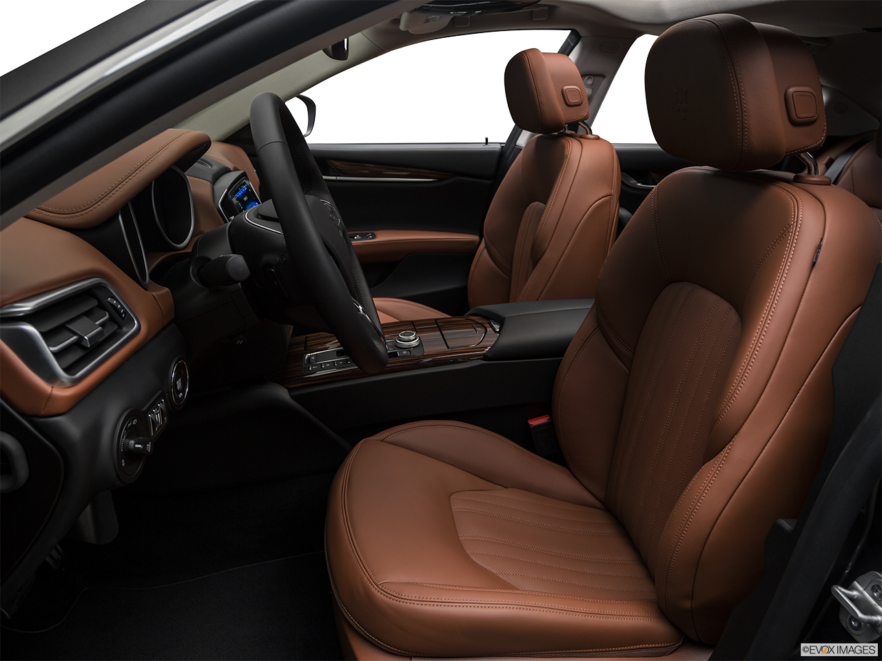 2018 Maserati Ghibli  S Granlusso Front seats from Drivers Side.