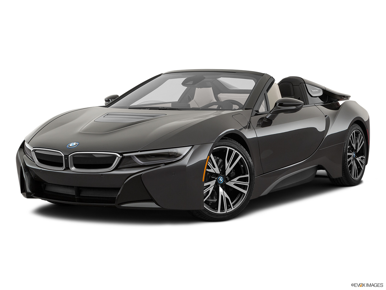 2019 BMW i8 Roadster Standard World Front angle medium view.