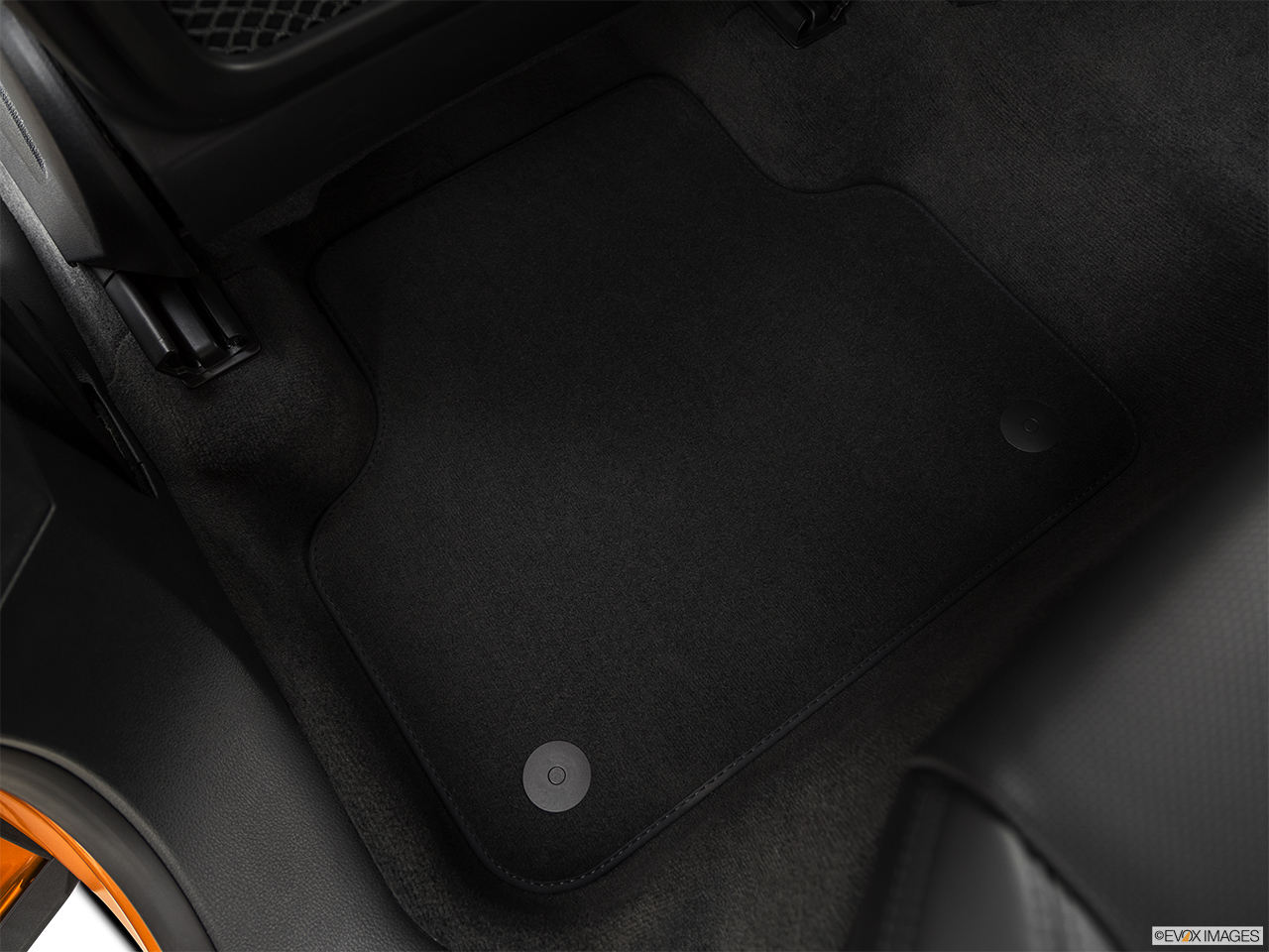 2019 Audi Q8 Prestige 3.0 TFSI Rear driver's side floor mat. Mid-seat level from outside looking in.