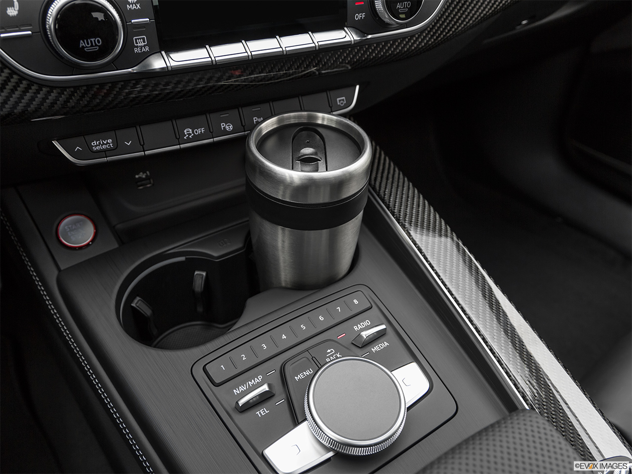 2019 Audi RS 5 Sportback 2.9 TFSI Cup holder prop (primary).