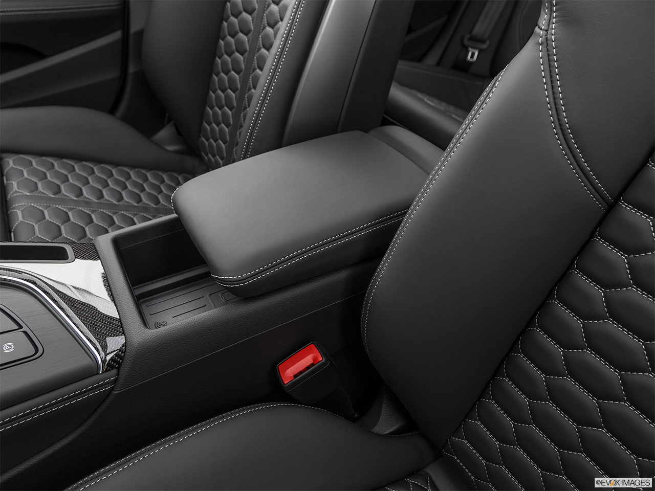 2019 Audi RS 5 Sportback 2.9 TFSI Front center console with closed lid, from driver's side looking down