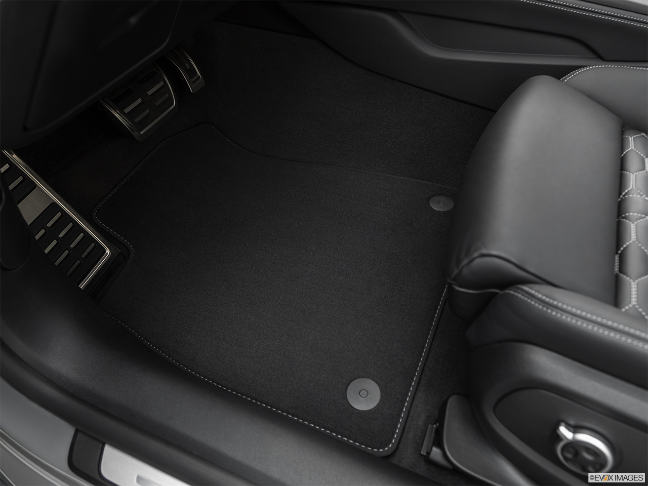 2019 Audi RS 5 Sportback 2.9 TFSI Driver's floor mat and pedals. Mid-seat level from outside looking in.