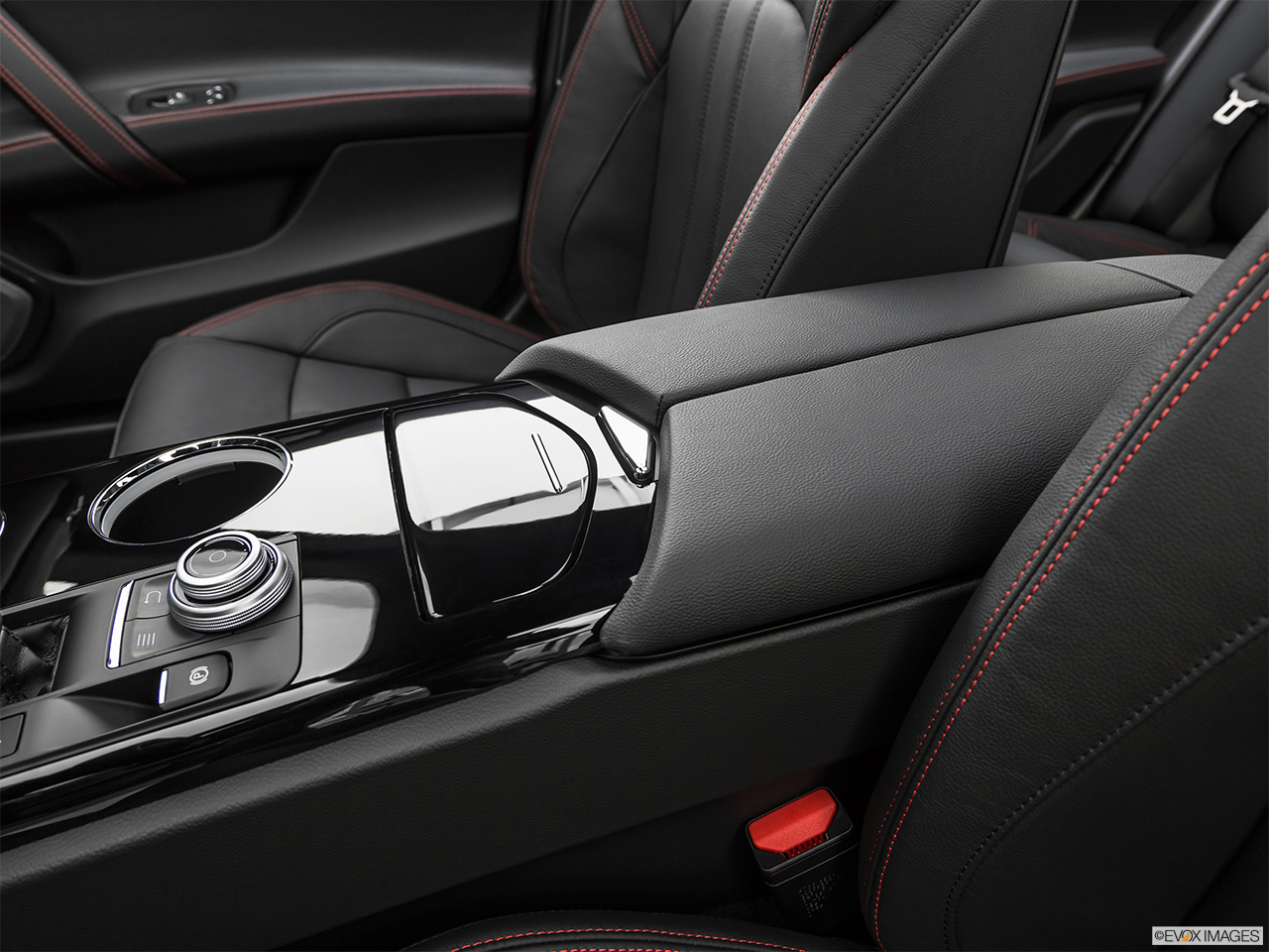 2019 Maserati Ghibli S Gransport Front center console with closed lid, from driver's side looking down