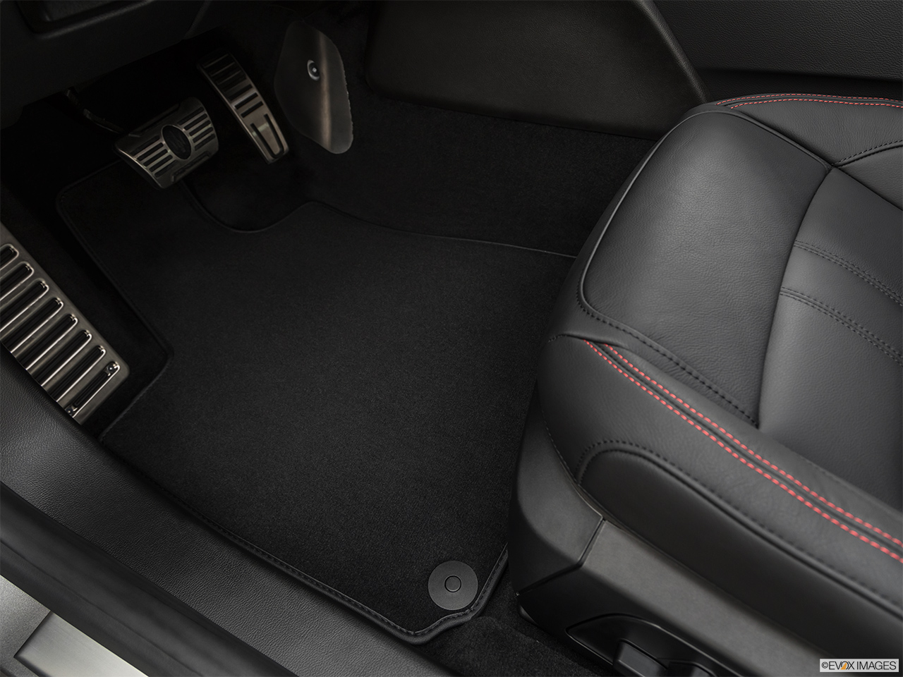 2019 Maserati Ghibli S Gransport Driver's floor mat and pedals. Mid-seat level from outside looking in.
