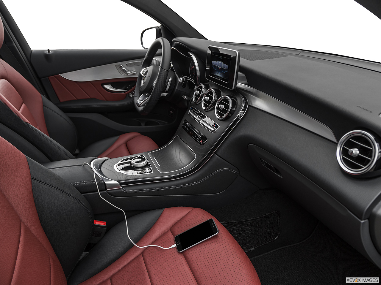 2019 Mercedes-Benz GLC-Class Coupe GLC 300 4MATIC Auxiliary jack props.