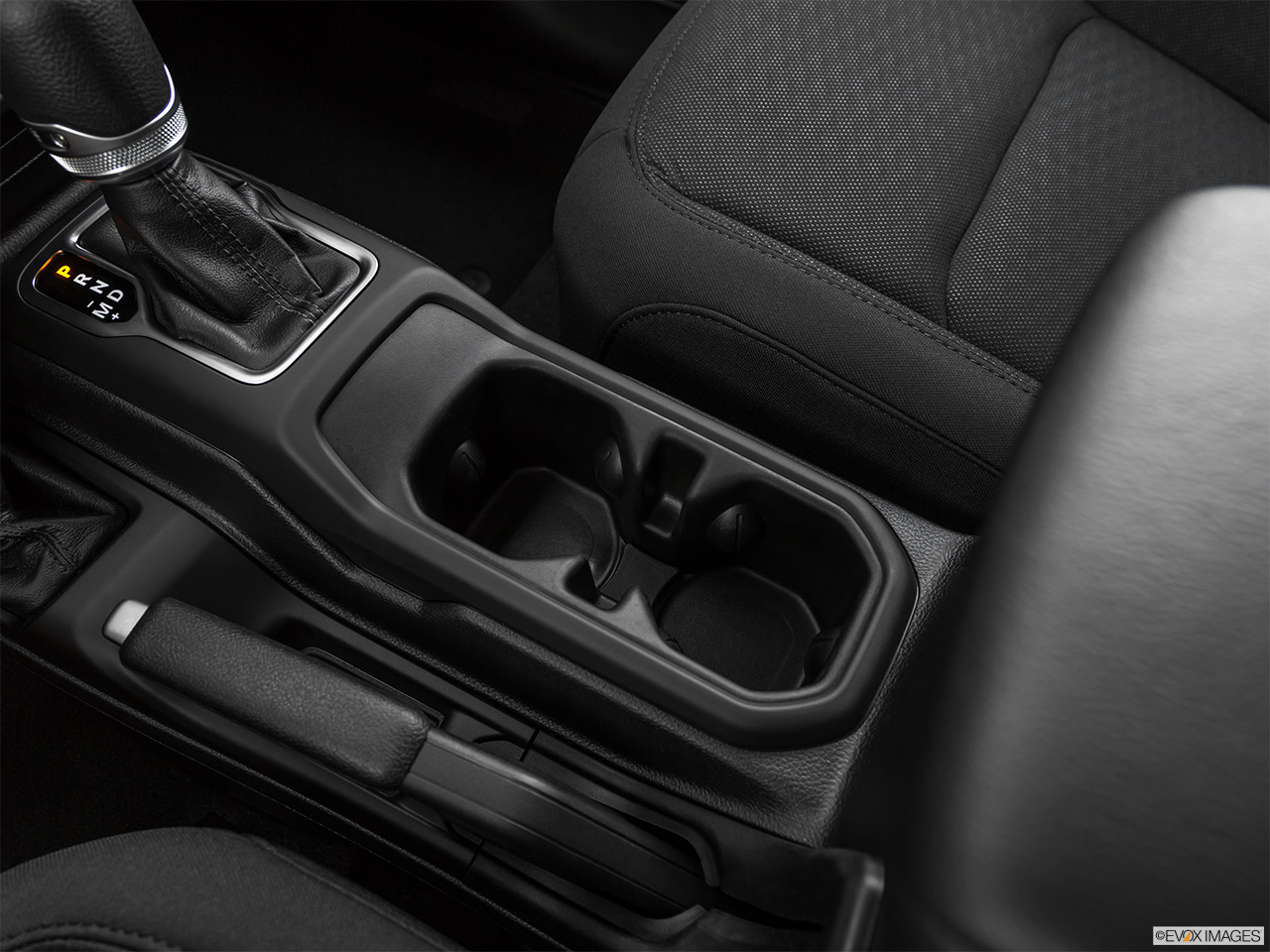 2020 Jeep Gladiator Sport S Cup holders.