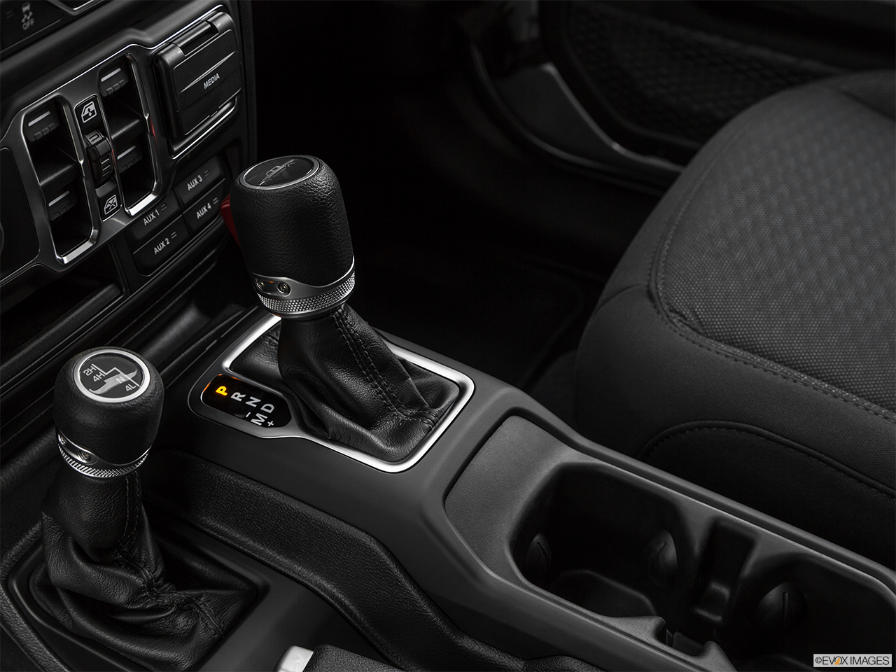 2020 Jeep Gladiator Sport S Gear shifter/center console.