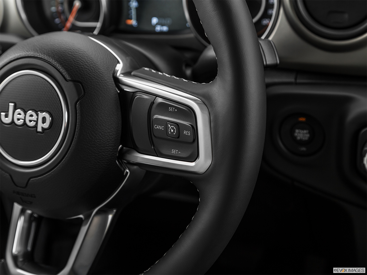 2020 Jeep Gladiator Sport S Steering Wheel Controls (Right Side)