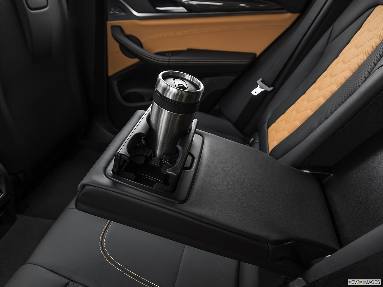2020 BMW X3 M Competition Cup holder prop (quaternary).
