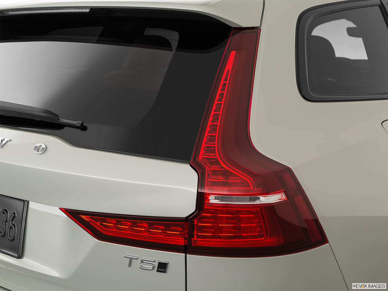 2020 Volvo V60 Cross Country T5 AWD Passenger Side Taillight.