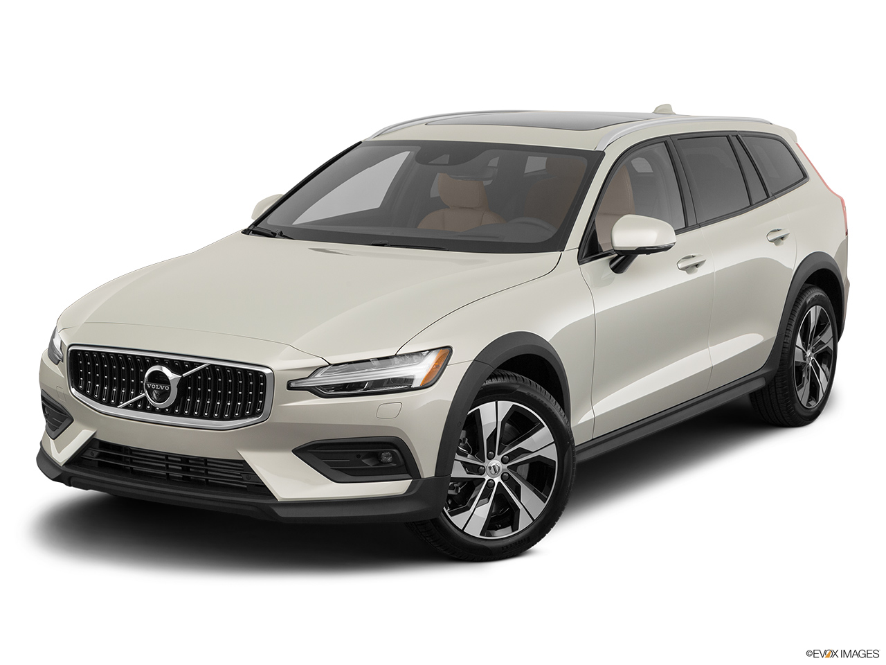 2020 Volvo V60 Cross Country T5 AWD Front angle view.